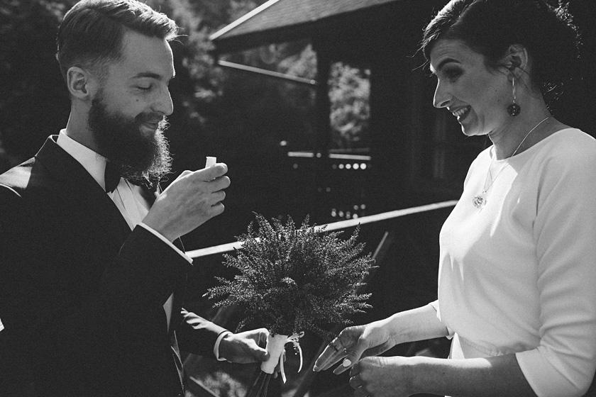 slub w stylu boho,stylowy pna mlody,wesele w willi tadeusz,zabawa weselna willa tadeusz,willa tadeusz wesele w namiocie,wedding first look,