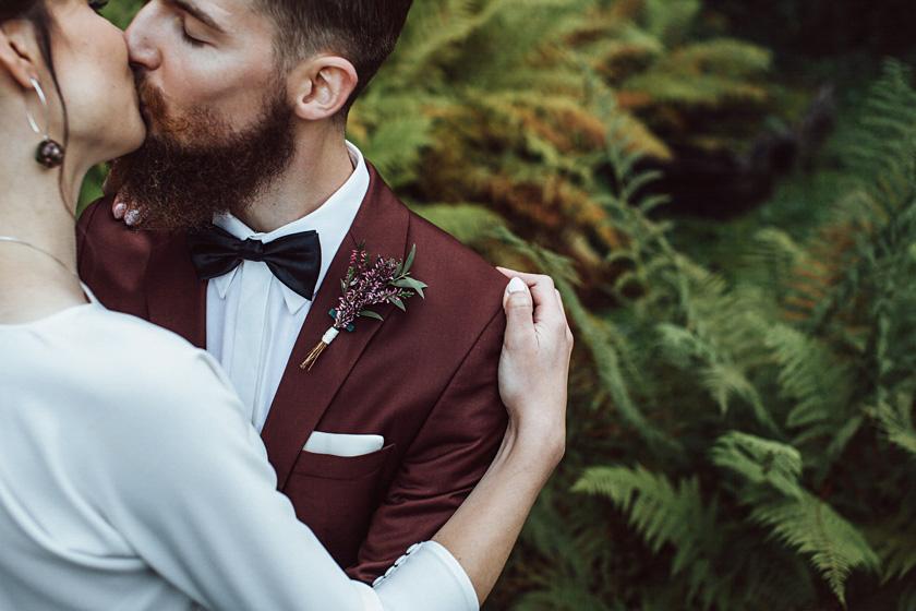 slub DIY,slub w lanckoronie,willa tadeusz lanckorona,wesele zabawa najlepszy dj na wesele,plener slubny w dniu slubu nad basenem,