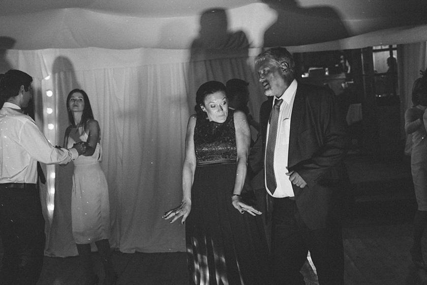 slub nad basenem,wesele boho,wesele pod namiotem,slub wstylu boho rustykalny barn,